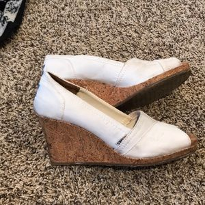 White Toms canvas wedges size 9.5